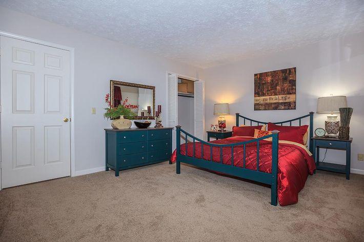 comfortable-bedrooms-2476056_579898.jpg