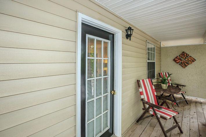 personal-patio-5574578_42182.jpg