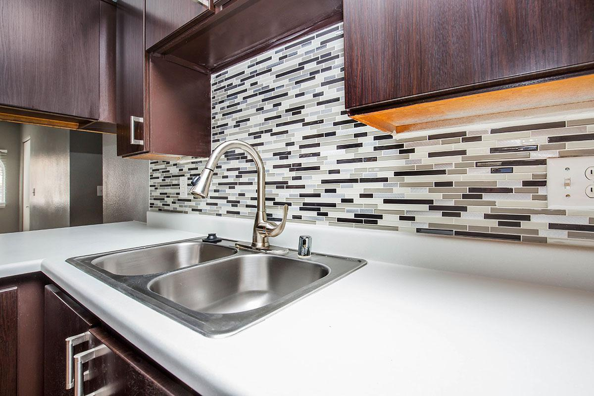BEAUTIFUL BACKSPLASH AT SEDONA RIDGE IN LAS VEGAS