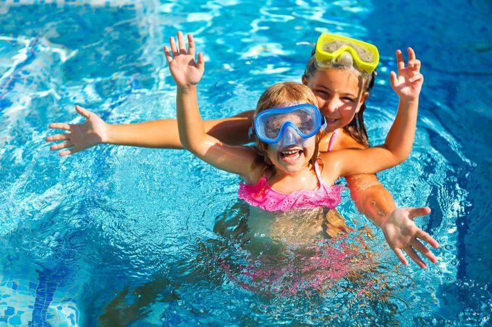 Pool-Girls-Children-954786086.jpg