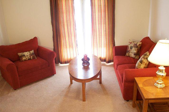 living-room-summertree-apt[1].jpg
