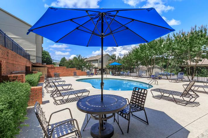 Beautiful Sundeck at Bluff View at Northside Apartments