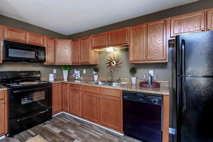Ample Cabinet Space in Hixson, TN