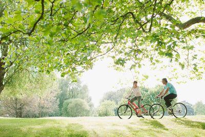 Couple on Bikes iStock_000024481987_Double.jpg