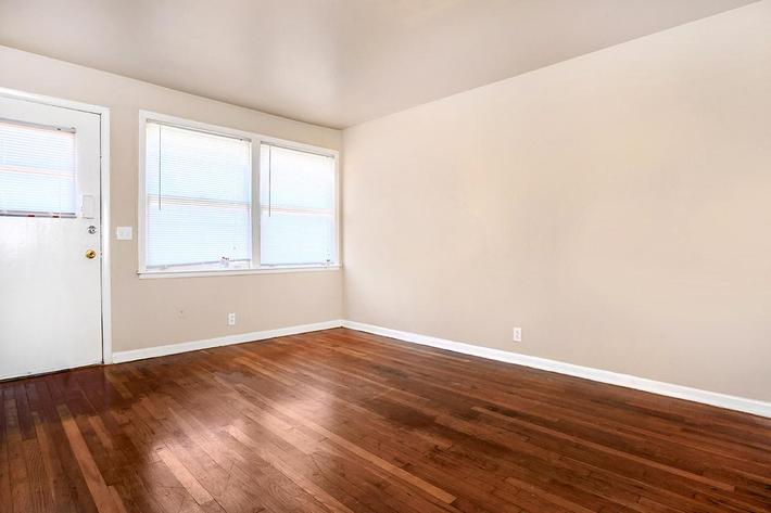 3 Bedroom 1 Bath Living Room