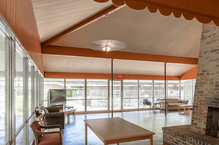 Harvard-House-Apartments-San-Angelo-TX-Lounge-2.png