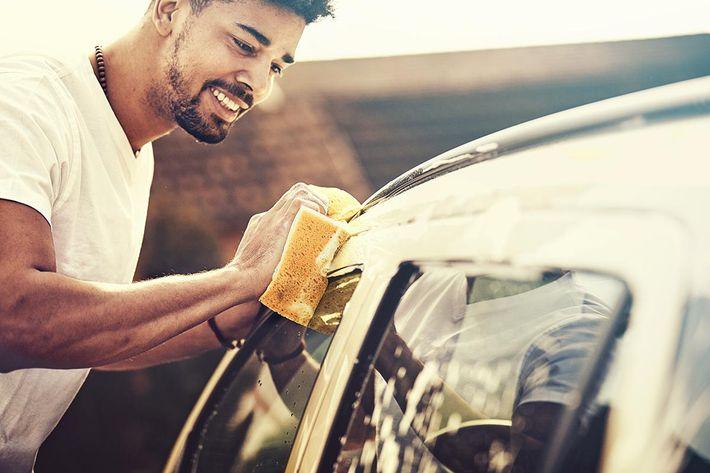 Washing car iStock-645488242.jpg
