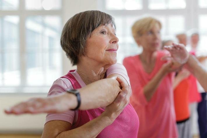 amenities-fitness-senior-stretching.jpg