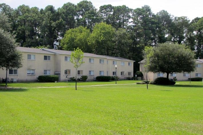 Charming Community at River City Place in Jacksonville, FL