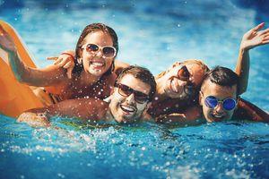 Pool-Men-Women-Friends-641386496.jpg