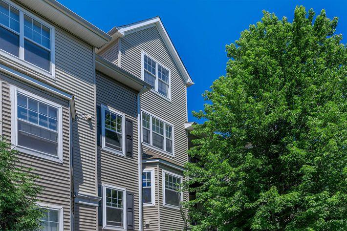 Grand Reserve Orange Apartments in Orange, CT