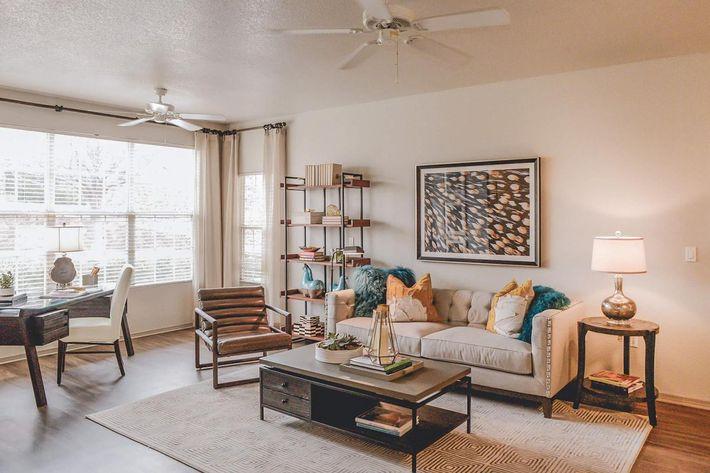 Model Livingroom 2.jpg