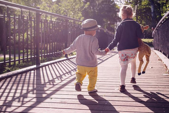 exterior-bridge-kids.jpg