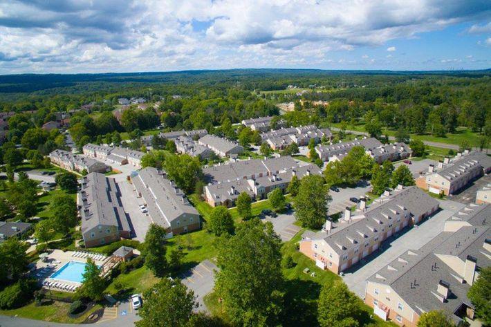 WilliamsburgTownhomes Sagamore Hills, OH _Aerial 2.jpg