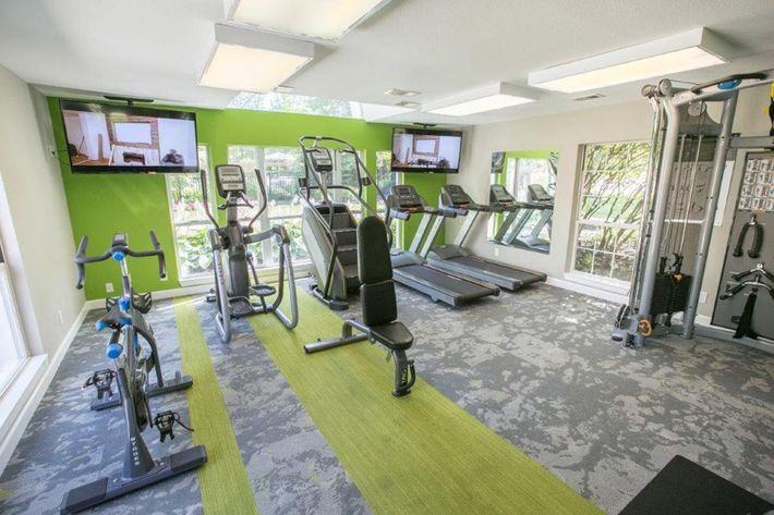 WilliamsburgTownhomes Sagamore Hills, OH _Fitness Center 1.jpg