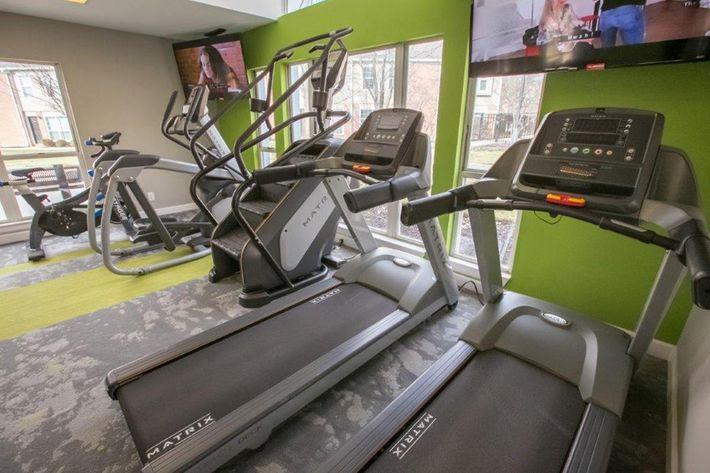 WilliamsburgTownhomes Sagamore Hills, OH _Fitness Center 2.jpg