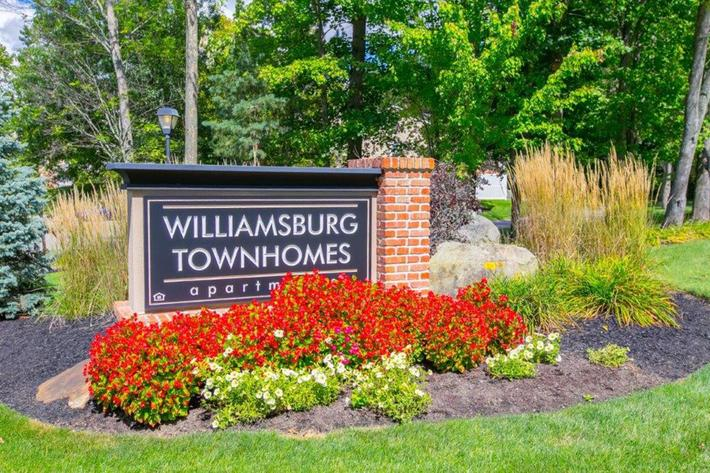 WilliamsburgTownhomes Sagamore Hills, OH _Sign.jpg