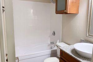1130-bath.jpg