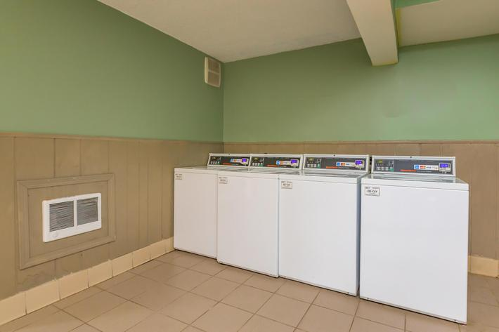 24-HOUR SMART CARD LAUNDRY FACILITIES