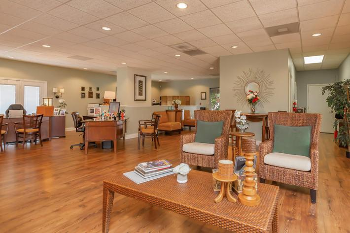 Kick Back in The Clubhouse at Kingston Pointe Apartments in Knoxville, TN