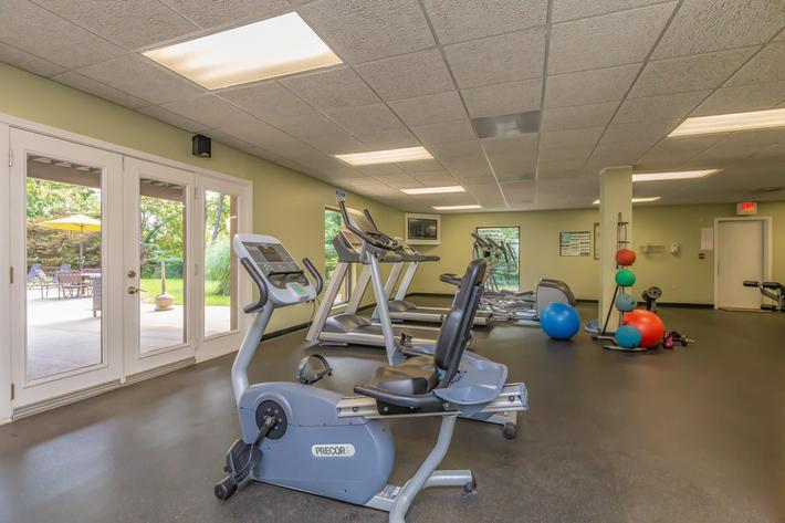 Stay Fit With Us at Kingston Pointe Apartments in Knoxville, Tennessee