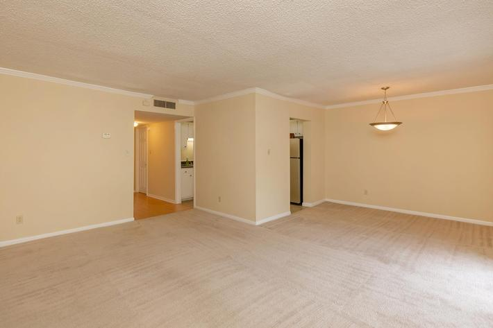 Open Floor Plan at Kingston Pointe Apartments in Knoxville, Tennessee