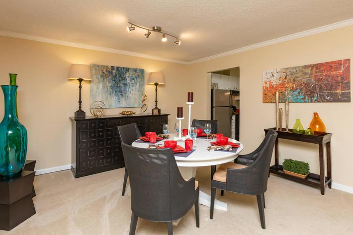 Great for Entertaining Here at Kingston Pointe Apartments in Knoxville, Tennessee