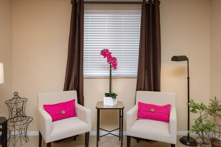 Kick Back & Relax Here at Kingston Pointe Apartments in Knoxville, Tennessee