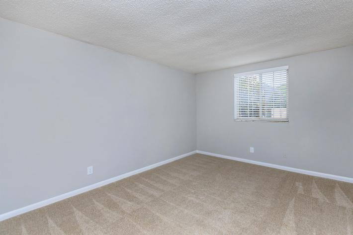 Knoxville, Tn has two bedroom one and half bath apartments