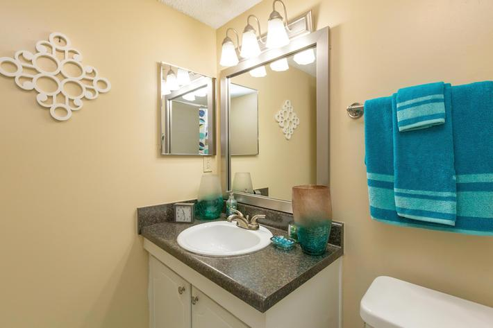 Make Yourself at Home Here at Kingston Pointe Apartments in Knoxville, TN