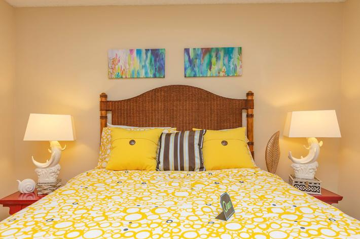 Relax in Comfort Here at Kingston Pointe Apartments in Knoxville, Tennessee