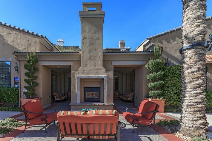 Outdoor fireplace lounge
