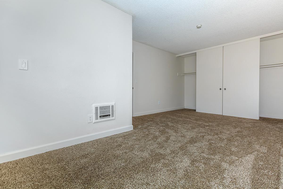 05b Master Bedroom.jpg