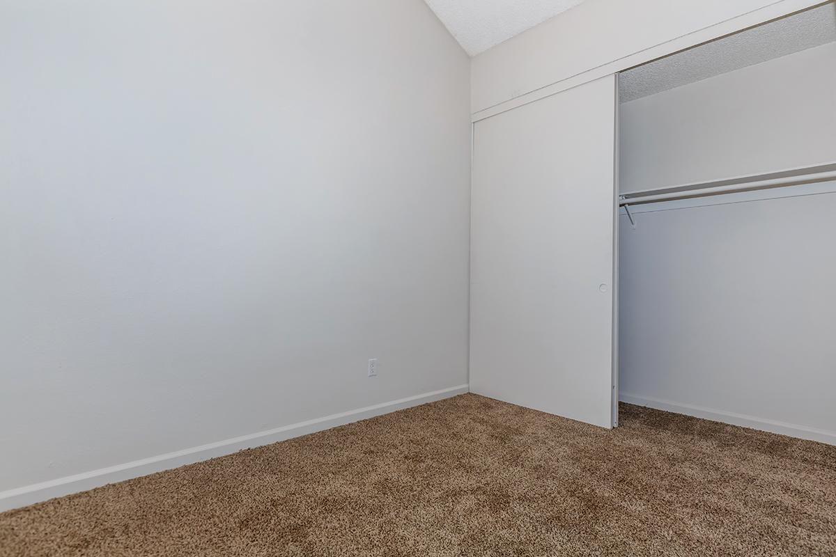 04a Bedroom.jpg