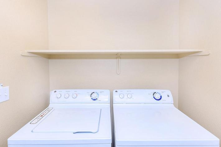 Enjoy the built-in washer-dryer at Boulder Creek