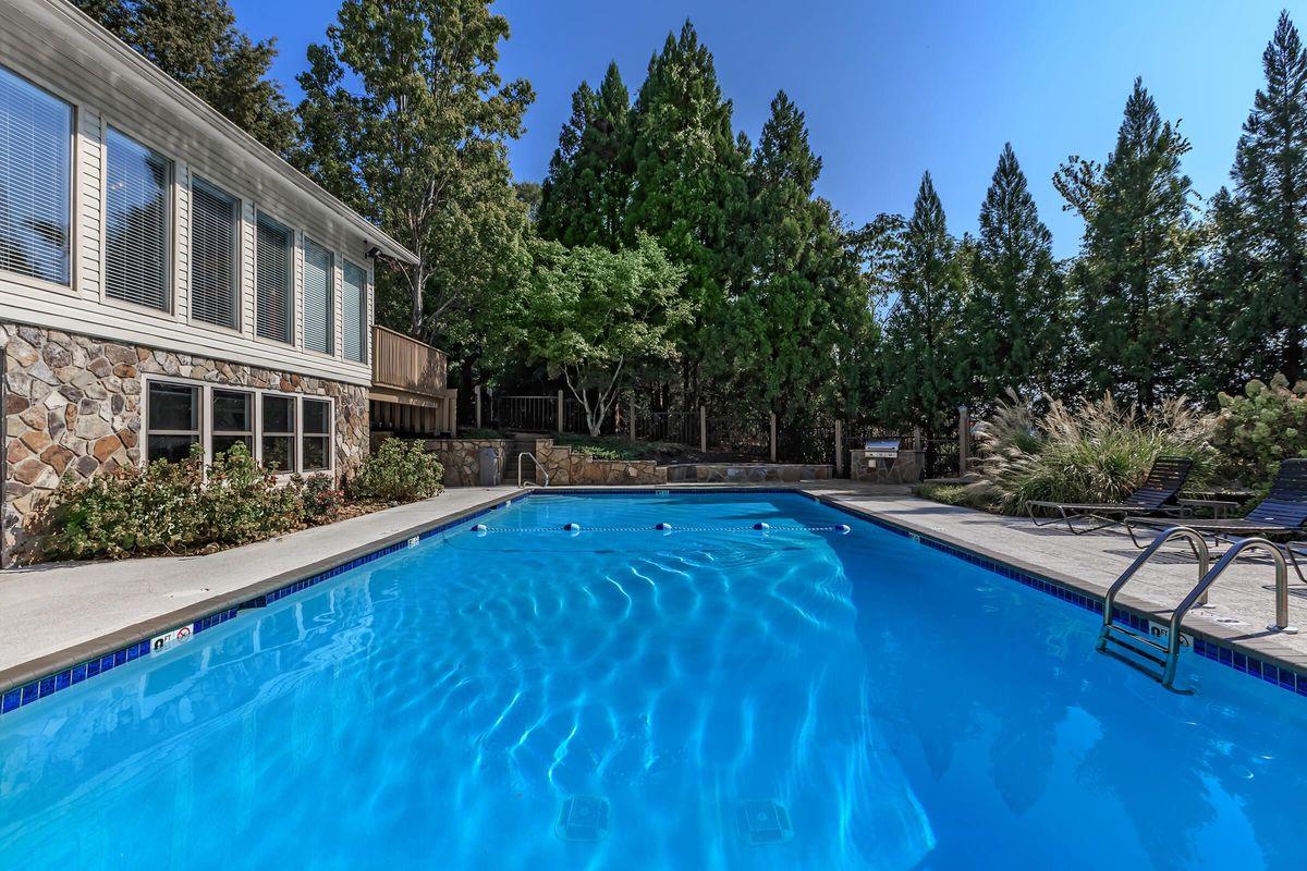Enjoy the Swimming Pool at Laurel Ridge Apartments in Chattanooga, TN