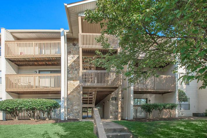 Large Balconies and Patios at Laurel Ridge Apartments in Chattanooga, TN