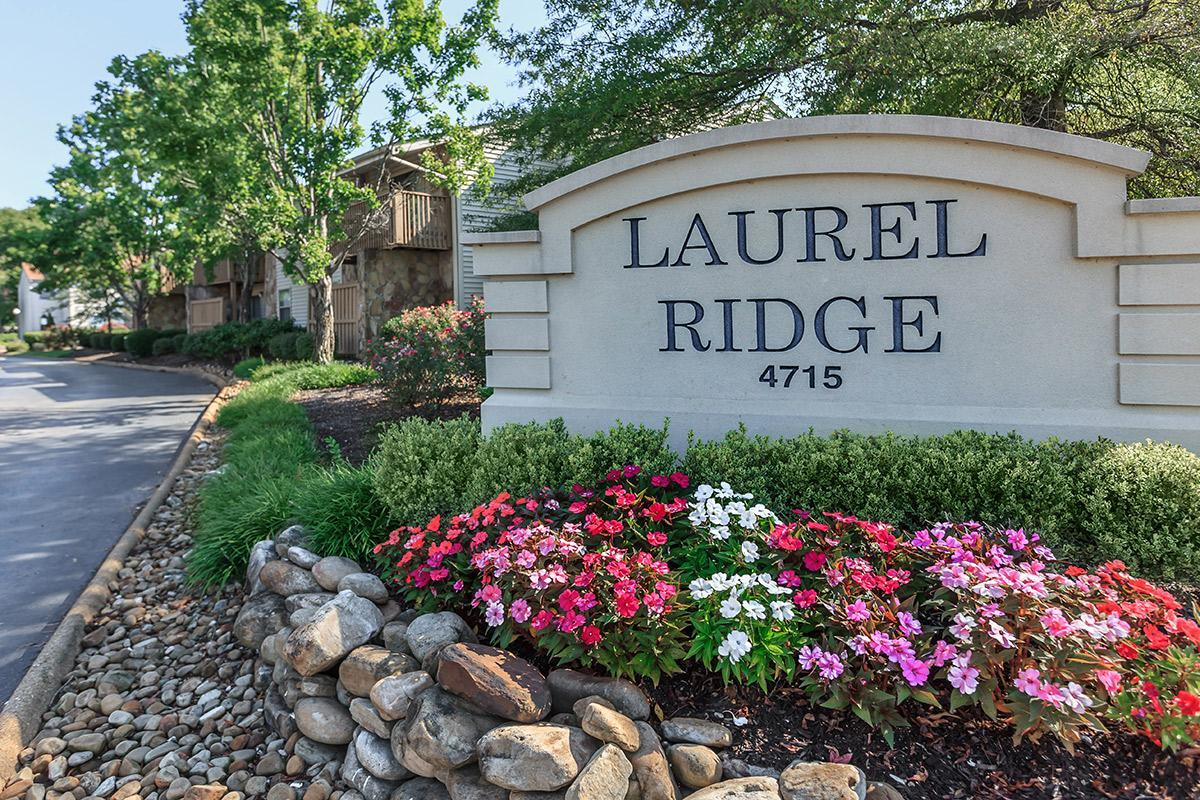 The Laurel Ridge Apartments monument sign with gorgeous flowers in Chattanooga, TN
