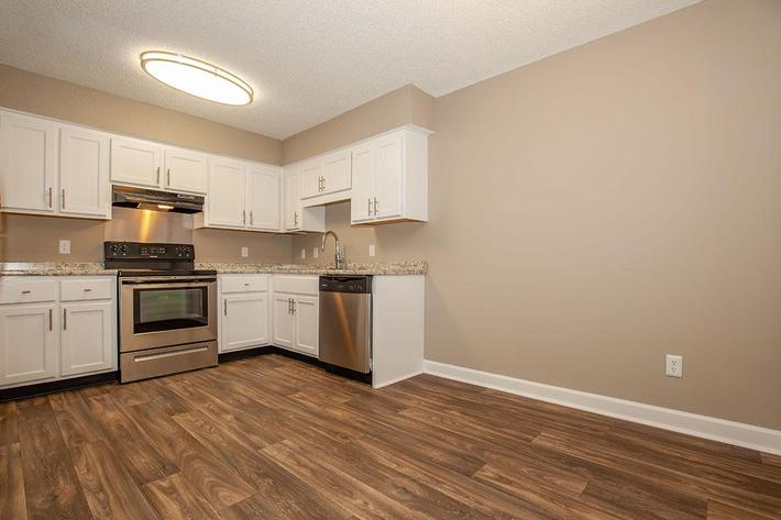 Spacious Eat-In Kitchen at The Dogwood at Laurel Ridge Apartments in Chattanooga, TN