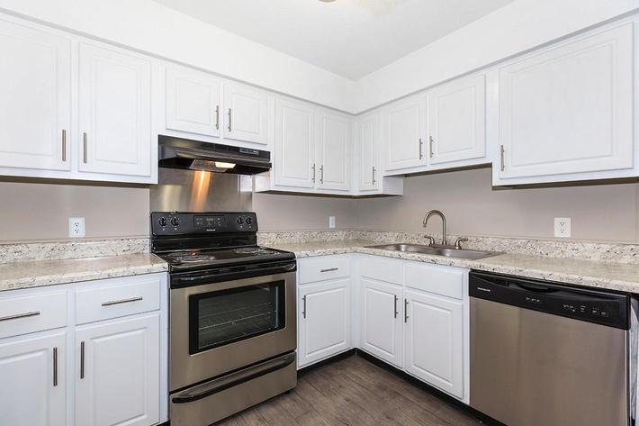 Modern Kitchen at The Willow at Laurel Ridge Apartments in Chattanooga