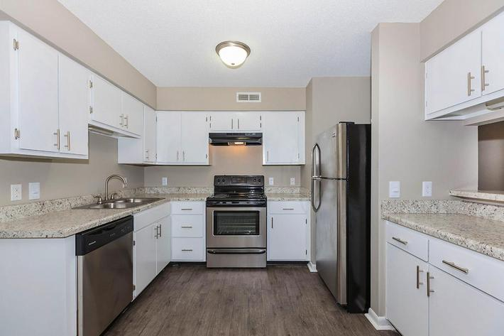 Bradford Deluxe Two Bedroom Apartment Fully-equipped Kitchen at Laurel Ridge