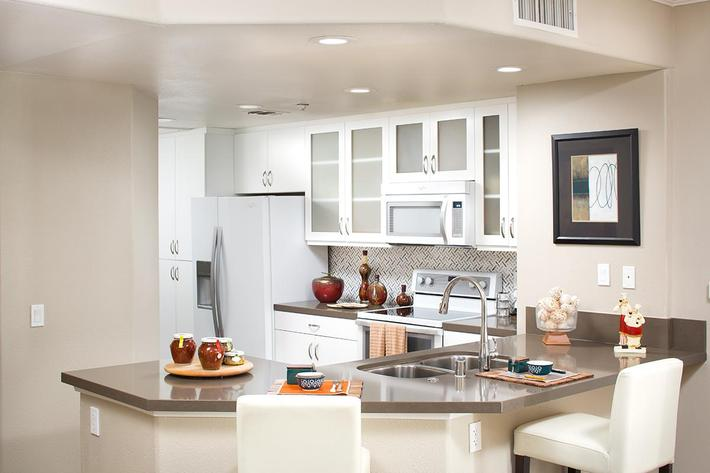 Model-2x2-Kitchen1.jpg