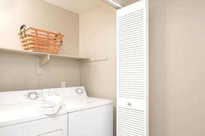 Model-2x2-Laundry.jpg