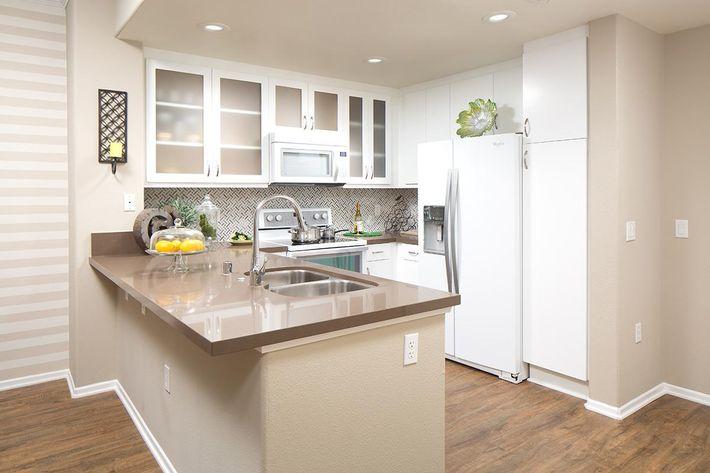 Model-1x1-Kitchen1.jpg