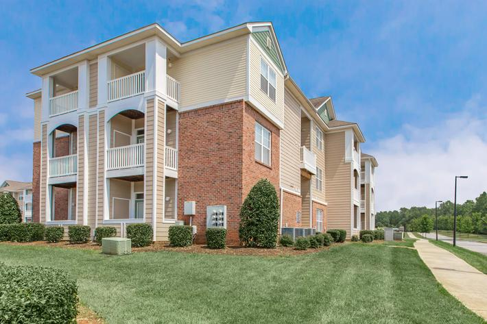 Enjoy Our Beautifully Manicured Grounds At Heather Ridge In Charolette, North Carolina