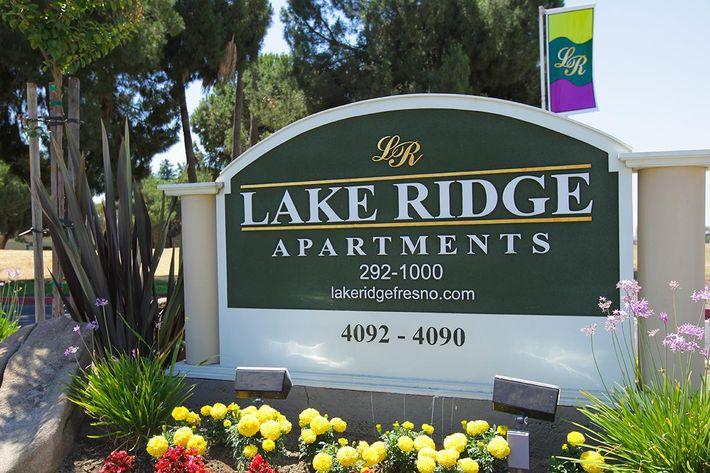 Welcome to Lake Ridge Apartments