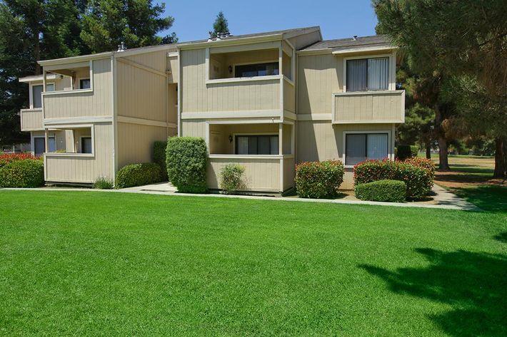 Lake Ridge is located in Fresno, California