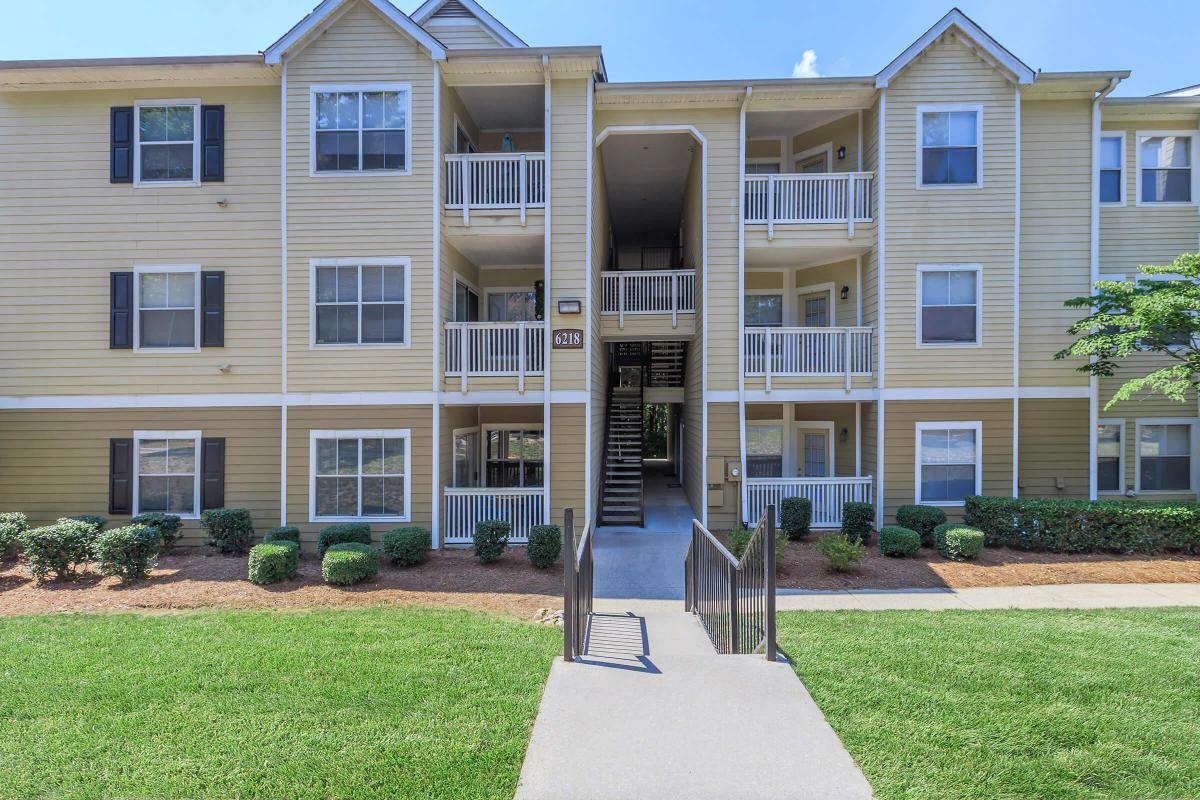 YOUR NEW APARTMENT HOME AWAITS IN CHARLOTTE, NC