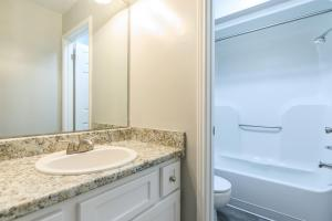 Upscale bathrooms at Graymere in Columbia, Tennessee