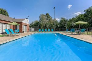 Enjoy the shimmering swimming pool at Graymere in Columbia, TN